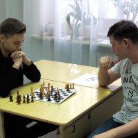 С 16 по 17 января 2020 года в актовом зале РМТ состоялись игры IV шахматного турнира среди студентов радиомеханического техникума, посвященного Всероссийскому Дню студента._2