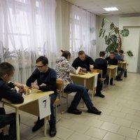 С 16 по 17 января 2020 года в актовом зале РМТ состоялись игры IV шахматного турнира среди студентов радиомеханического техникума, посвященного Всероссийскому Дню студента._4