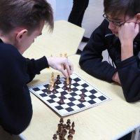 С 16 по 17 января 2020 года в актовом зале РМТ состоялись игры IV шахматного турнира среди студентов радиомеханического техникума, посвященного Всероссийскому Дню студента._5